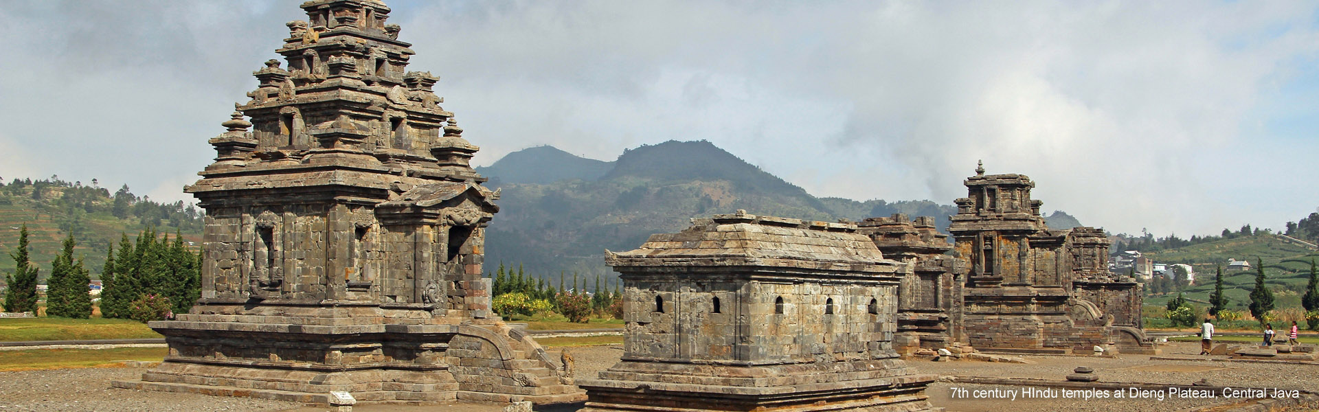 Dieng Plateau Java Indonesia Tour Plateu Ancient Hindu Temples At Central